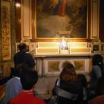 8  - Oración en el altar de la Virgen de Lujan